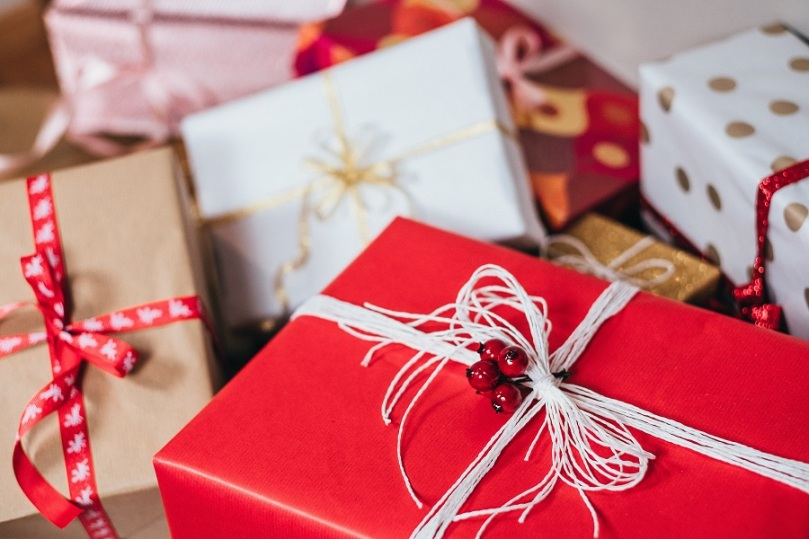 blur-bow-boxes-749354